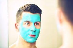 Traitement de visage et de soins de la peau de corps image libre de droits