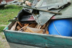 Traitement des déchets dans l'environnement naturel images stock