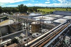 Traitement des eaux usées, usine de purification pour l'usine photographie stock libre de droits