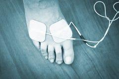Traitement patient de physiothérapie de jambe de cheville de pied Photographie stock