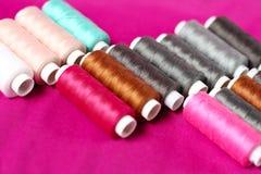 Traitements différés des amorçages de couture Photos stock