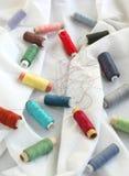 Traitements différés des amorçages sur un tissu de coton Photo libre de droits