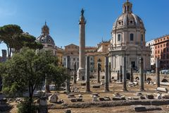 Trajan专栏和论坛惊人的看法在市罗马,意大利 免版税图库摄影