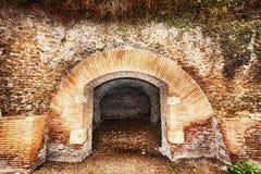 Trajan和Claudius港的考古学挖掘  免版税图库摄影