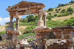 Trajan喷泉在以弗所 免版税库存照片