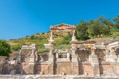 Trajan喷泉的废墟在以弗所, 免版税库存照片