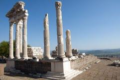 Trajan寺庙在Pergamos的 免版税库存图片
