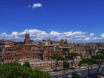 Trajan ` s rynek jest wielkim kompleksem ruiny w mieście Rzym, Włochy fotografia royalty free