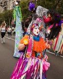 Traje colorido na parada Imagens de Stock Royalty Free