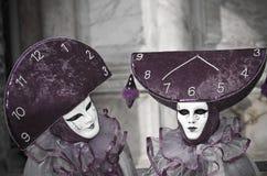 Traje decorativo lleno en el carnaval de Venecia Foto de archivo libre de regalías