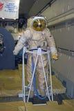 Traje del astronauta mostrado en el salón aeroespacial internacional de MAKS Imágenes de archivo libres de regalías
