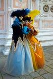 Traje del carnaval en Venecia. Imagen de archivo libre de regalías