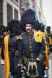 Traje del desfile del día de Patricks del santo Foto de archivo