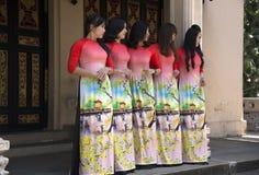 Traje do nacional do Ao Dai Vietnamese imagens de stock