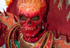 Traje vermelho da morte no carnical de Santo Domingo 2015 Fotos de Stock