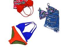 Trajes de los accesorios del viaje, fondo de las vacaciones de verano, bikini Fotografía de archivo libre de regalías