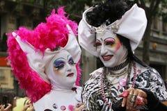 Trajes grotescos en el orgullo alegre 2009 de París Foto de archivo