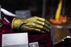 Trajes originais dos atores e dos suportes do ` The Game do filme do ` dos tronos nos locais do museu marítimo de Barcelona fotografia de stock royalty free