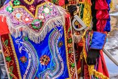 Trajes tradicionais do dançarino popular, Guatemala Fotografia de Stock