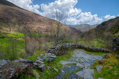 Trajeto antigo nas montanhas Imagem de Stock