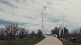 Trajeto a construir uma ponte sobre vídeos de arquivo