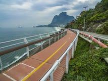 Trajeto da bicicleta de Tim Maia na avenida de Niemeyer, Rio de janeiro, Brasil, Ámérica do Sul fotografia de stock royalty free