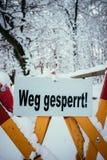 Trajeto de passeio Closed, inverno, perigo dos avalances fotografia de stock royalty free
