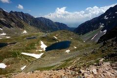 Trajeto de passeio Meandering nas montanhas Foto de Stock Royalty Free