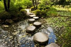 Trajeto de pedra do zen fotos de stock