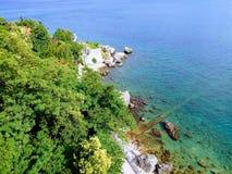 Trajeto de pedra no mar fotografia de stock royalty free
