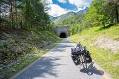 Trajeto do ciclo de Alpe Adria, Itália foto de stock royalty free