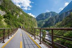 Trajeto do ciclo de Alpe Adria, Itália fotos de stock