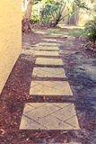Trajeto do tijolo a andar para baixo Imagens de Stock Royalty Free