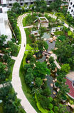 Trajeto do tijolo da curva no jardim Fotografia de Stock
