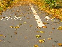Trajeto e passeio da bicicleta fotografia de stock royalty free