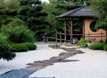 Trajeto no jardim do zen Imagens de Stock