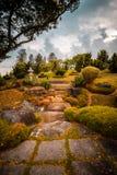 Trajeto outonal do jardim japonês, Singapura foto de stock royalty free