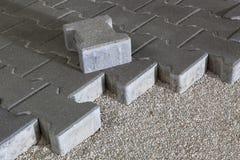 Trajeto pedestre com tijolos do paver Pavimento do passeio foto de stock royalty free