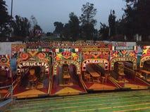 Trajinera łodzie przy Xochimilco, Meksyk Obrazy Stock