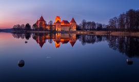 Trakai城堡在晚上 免版税库存图片