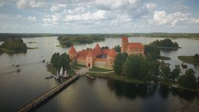 Trakai-Inselschloss am Sommertag lizenzfreies stockfoto