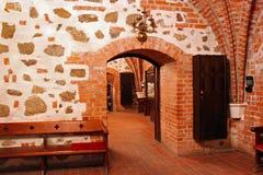 TRAKAI, LITAUEN - 2. JANUAR 2013: Innenraum im Trakai-Insel-Schloss lizenzfreie stockbilder