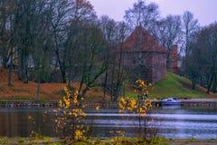 Trakai, Litouwen 2018-11-02, Trakai-geschiedenismuseum, stad met grote geschiedenis en tradities, één van de beroemde plaatsen vo stock afbeeldingen