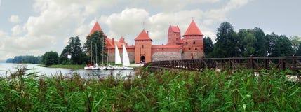 Trakai Schloss und Brücke Stockfoto