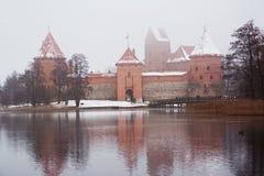 Trakai slott i vinter Royaltyfri Fotografi