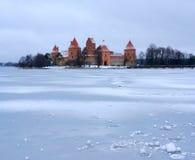 Trakai slott i vinter Royaltyfria Bilder