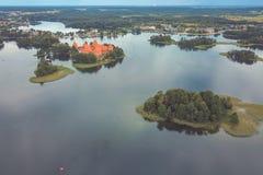 Trakai wyspy kasztel i Galve jezioro w Trakai, Lithuania zdjęcia stock