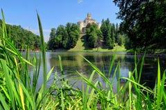 Trakoscan城堡和湖Trakoscan在北克罗地亚 图库摄影