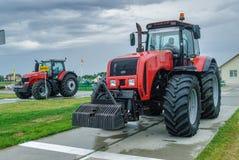 Traktor auf Ausstellung der landwirtschaftlichen Maschinerie Lizenzfreie Stockbilder