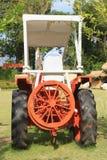 Traktor auf dem Bauernhof Stockfotos